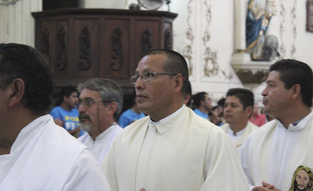 sacerdote-don-art5