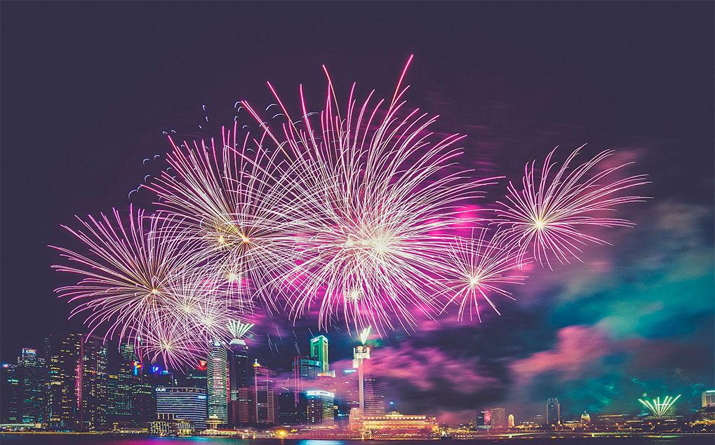 fuegos artificiales en la una noche