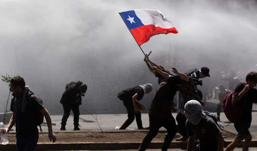 Fotografía de protesta en Chile cortesía de CNN en Español
