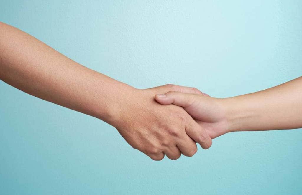 saludo de mano