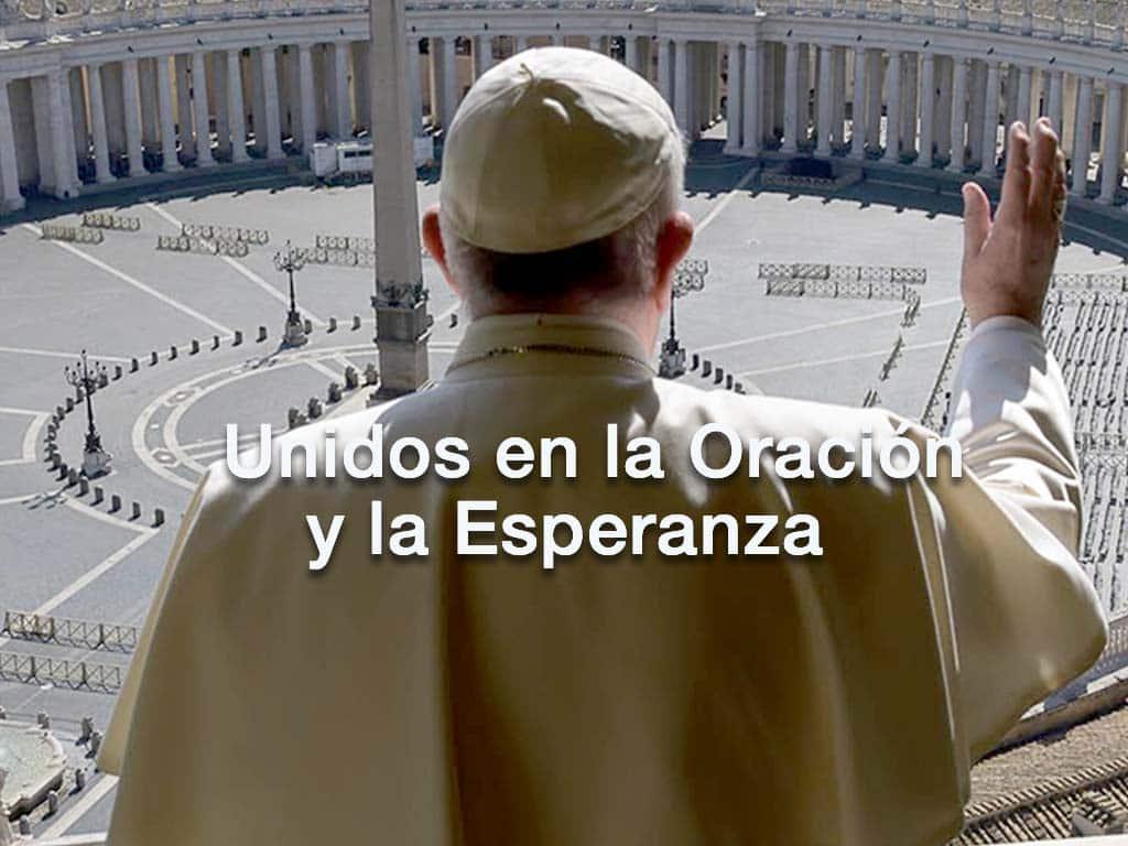 papa francisco en la plaza De San Pedro, imagen para ingresar al articulo unidos en la oración